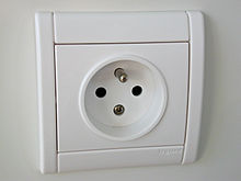 220px-French-power-socket